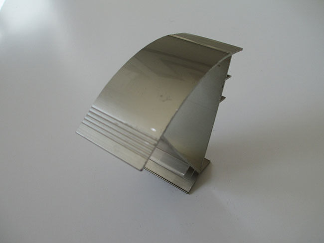 Champagne Polishing Anodized Extruded Aluminum Channel 6063 Alloy For Corner